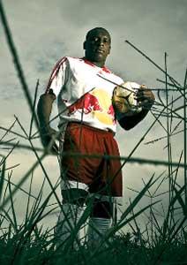 Gilmar Fubá com a camisa do Red Bull
