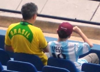 A rivalidade no futebol deve ficar apenas dentro do campo