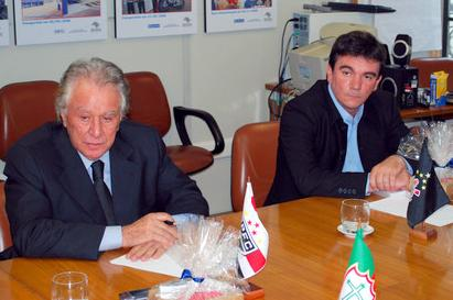 Juvenal e Andrés sentaram lado a lado (foto: Jair Pires - site oficial do SPFC)